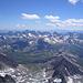Richtung Süden sieht man im Vordergrund die Schobergruppe, im Hintergrund die friulanischen Dolomiten.<br />Leider ist es hier etwas diesig.