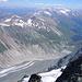 Die Hofmannshütte stand einst direkt am Gletscherrand, heute muß man 300 Höhenmeter absteigen, um zur Pasterze zu kommen. Die Hofmannshütte wird übrigens nächstes Jahr abgerissen (kein Bedarf mehr).
