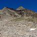 Am Bergfuss angekommen, das ist, was Sache ist. Die wbw Wegmarkierungen werden durch viele Steinmännli ganz gut unterstützt. Meist sieht man den Gipfel ja sowieso.