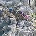 .. im Zoom. Schöner stabiler Fels am Grat, kaum exponiert und leicht zu klettern. (maximal II)