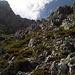 Abstieg auf der Südseite über unzählige Schrofen