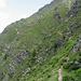 Superata la bocchetta sopra il Lago di Calvaresc il sentiero diviene subito esposto.