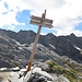 Nicht verpassen - die Abkürzung zum Weg nach Hause - links ginge es wieder über den Klettersteig