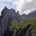 dieses [http://www.hikr.org/gallery/photo1127425.html?post_id=66011#1 Foto] kennen wir doch schon; rechts unten sieht man bereits den Weg zur Roslenalp/Oberalp