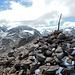 Gestern hat's hier nicht nur geregnet, wie der Steinmann am Gipfel zeigt.