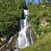 der sich als wirklich steiler Sturzbach mit einigen Wasserfällen präsentiert