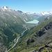 Blick zum Stausee Mattmark, links davon Stellihorn, hinten Monte Moro, rechts Schwarzenberggrat