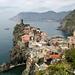Vernazza mit Blick nach Monterosso und Punta Mesco