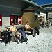 Tobias und Martin bei der Rast an der Wiener Neustädter Hütte, nach einen sehr steilen Abstieg vom Zugspitz-Gipfel.