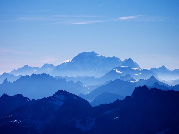 In der Ferne grüsst der Mont Blanc