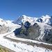 Fantastisches Gletscherpanorama, inkl. Ferienhäuschen (links)