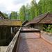 Holzkanal zu den Wasserrädern der Leinsamenstampfe und der Sägerei