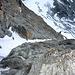 Die Rampe mit guten Tritten im Firn, vom Grat gesehen. <br /><br />Foto CJ