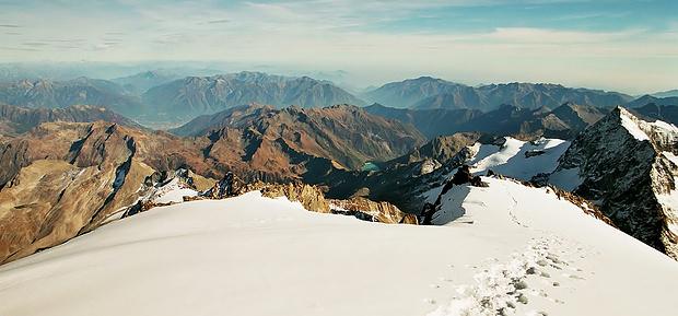 Rückweg zum P. 3965 m und damit zum Beginn des Südgrats!