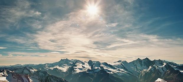 Ausblick auf die Höchsten der Hohen im sonnigen Wallis!