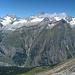 tiefer Blick vom Unterrothorn auf Zermatt & Co - rechts der Ritzengrat