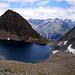 ....jetzt etwas weiter von oben....ich wiederhole: 'Der Rotkogel über dem Schwarzsee, rechts der Schwarzseekogel - nur seltsam dass der Osthang des Schwarzkogels eher rötlich aussieht ... also der geneigte Leser erkennt ziemlich zweifarbig diese Tour ;-)))