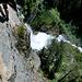 Je näher man dem Wasserfall kommt umso luftiger wird die ganze Angelegenheit....aber nie hat wirklich das Gefühl der Ausgesetztheit.