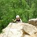Töchterlein am Ausstieg aus der vertikalen Einstiegswand.