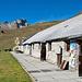 Die grosse Hütte von Alp Muntatsch