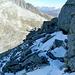 Vor dem Steilaufschwung zum Gipfel wurde ich doch noch von großen Granitplatten gestoppt und ich wich etwas widerwillig in die teils heikle Nordseite aus.