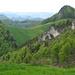 Noch mehr grüner Jura, rechts die Ämmenegg (1053m)