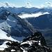 Blick über die Berge des Brunnitals.