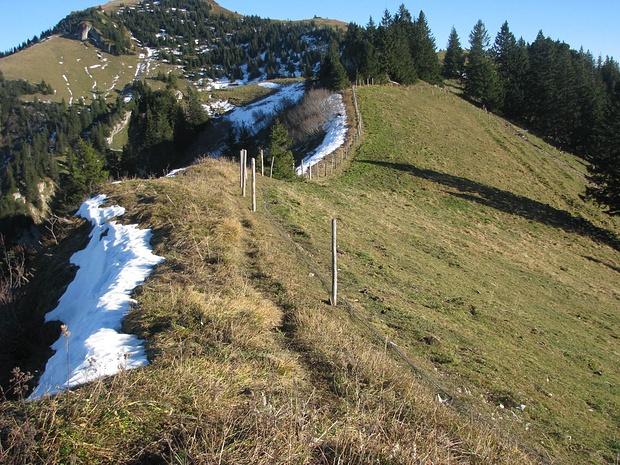 Weg von der Zwölferspitz Richtung Moarbichl zum Hochgerngipfel