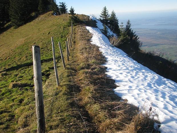 Blick zurück am Gratweg zwischen Zwölferspitz und Moarbichl