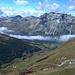 Blick hinunter ins Val Fex<br /><br />Unten im Tal: so langsam kriecht sie die Malojaschlange