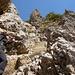 am Fixseil und über betonierte Treppen erreicht man den Garsellikopf 2105m