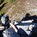 Der Boulder im Traumfels ist gefunden (siehe links), die Szene fotografiert (siehe rechts)