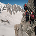 Stau beim Einstieg dank eines Bergsteigers, der bereits in der ersten Seillänge scheiterte und zusammen mit Bergführer wieder umkehren mußte.