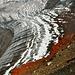 der Gletscher im Krater des Kleinen Tolbatschik trägt einen roten Schal<br /><br />© 2012 Pascal Kappeler - Bern