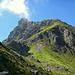 Das Tilisuna Schwarzhorn (2.460m) über dem Schwarzhornsattel (2.166m)
