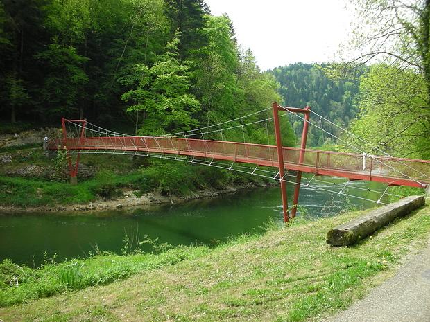 interessante Brücke über den Doubs