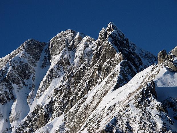 Ein Bild von Berg: Hoh Brisen Der SE-Grat rechts ist eine der [http://www.hikr.org/tour/post88763.html härteren T6-Affären] der Innerschweiz