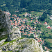 dopo la cima della Mirandola,lungo la salita....a dx il paese di Gorfigliano