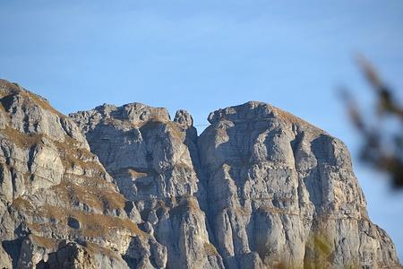 Zoom auf die Brücke des Klettersteig über die Eggstöcke.