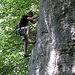 Ein Kletterer in einer Basler 6a+.