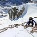 Felsstufe mit Seilsicherung - Absturzgelände, weil wirklich steil