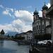 Die Kapellbrücke und die Jesuitenkirche.