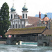 Die Spreuerbrücke und die Jesuitenkirche.