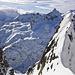Beim Übergang in eine weitere Rinne zeigt sich der Mont Blanc bedeckt.