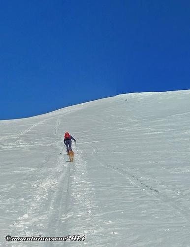 """Eine """"Steirerspur"""" (Spur die kerzengerade auf den Gipfel führt) direkt auf den Greim"""