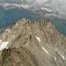Links vorne im Bild, das Mittaghorn 3015m und rechts das Galmihorn 3001m.