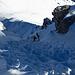 Mit den Ski am Rücken geht's hoch zur Hochtennspitze