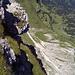 Blick ins Tal. Weit unten zwei der drei Haseneck-Alpen