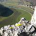 Der Standort macht`s! Immer wieder finden wir Schilder, die das Betreten der vielen kleinen Felsköpfe verbieten. Seltene Pflanzen gäb es hier sonst nicht mehr. Hier das [http://de.wikipedia.org/wiki/Berg-Steinkraut Berg-Steinkraut.]