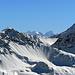 Der Bianco-Grat am Piz Bernina ist mit blossem Auge zu erkennen. Da hinten treibe ich mich im Spätsommer dann wieder herum.